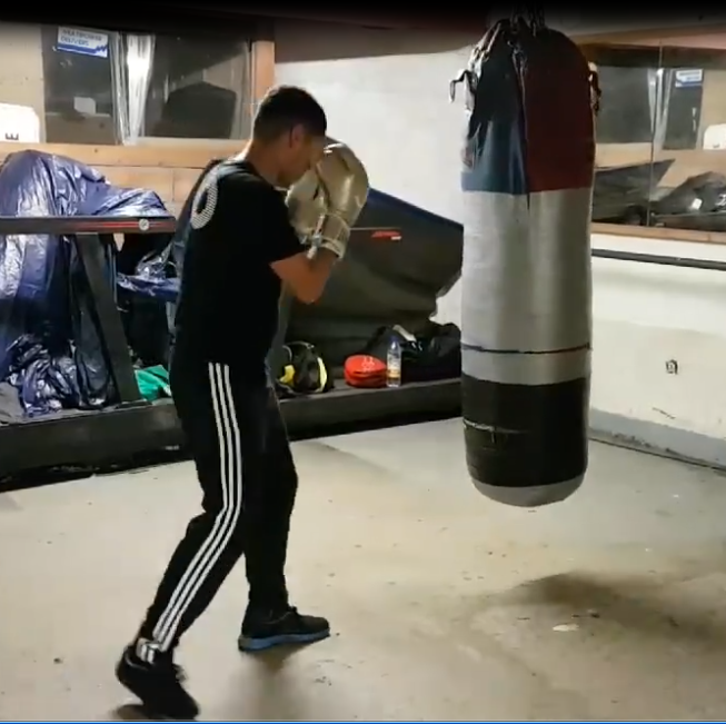 how to pivot in boxing